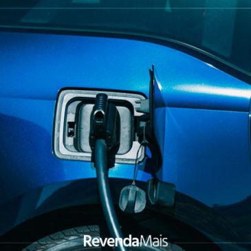 Tudo o que a sua loja de veículos precisa saber sobre carros elétricos